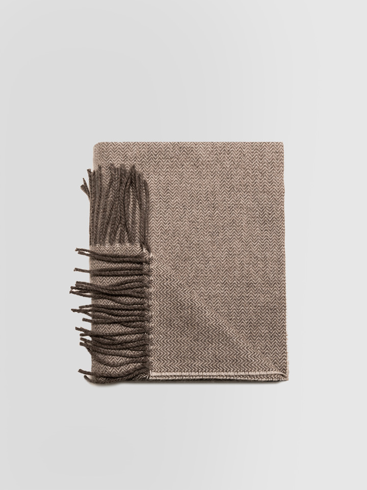 ALPHA STUDIO: HERRINGBONE PATTERN STOLE