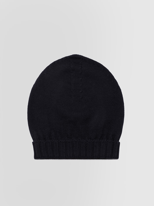 ALPHA STUDIO: CAP IN MERINO WOOL