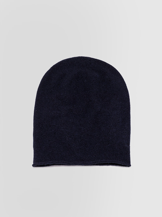 ALPHA STUDIO: LUXURY LABEL BEANIE HAT IN CASHMERE
