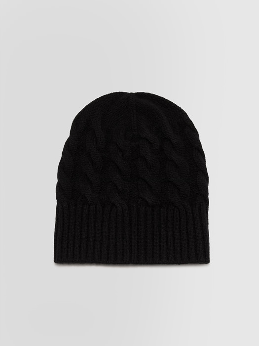 ALPHA STUDIO: LUXURY LABEL BEANIE HAT IN BRAID CABLE STITCH CASHMERE