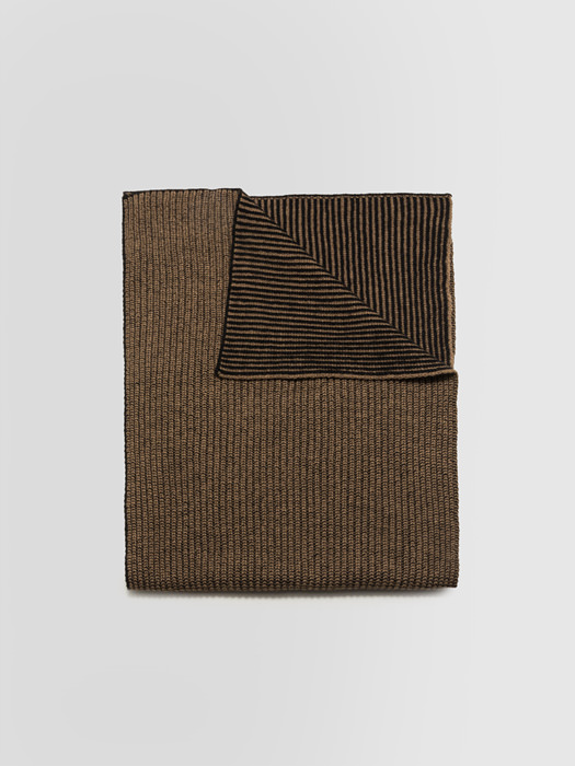 ALPHA STUDIO: TWO-TONE VANISE SCARF